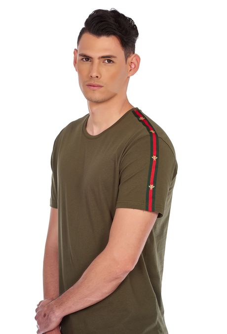 Camiseta-QUEST-Slim-Fit-QUE163190008-38-Verde-Militar-2